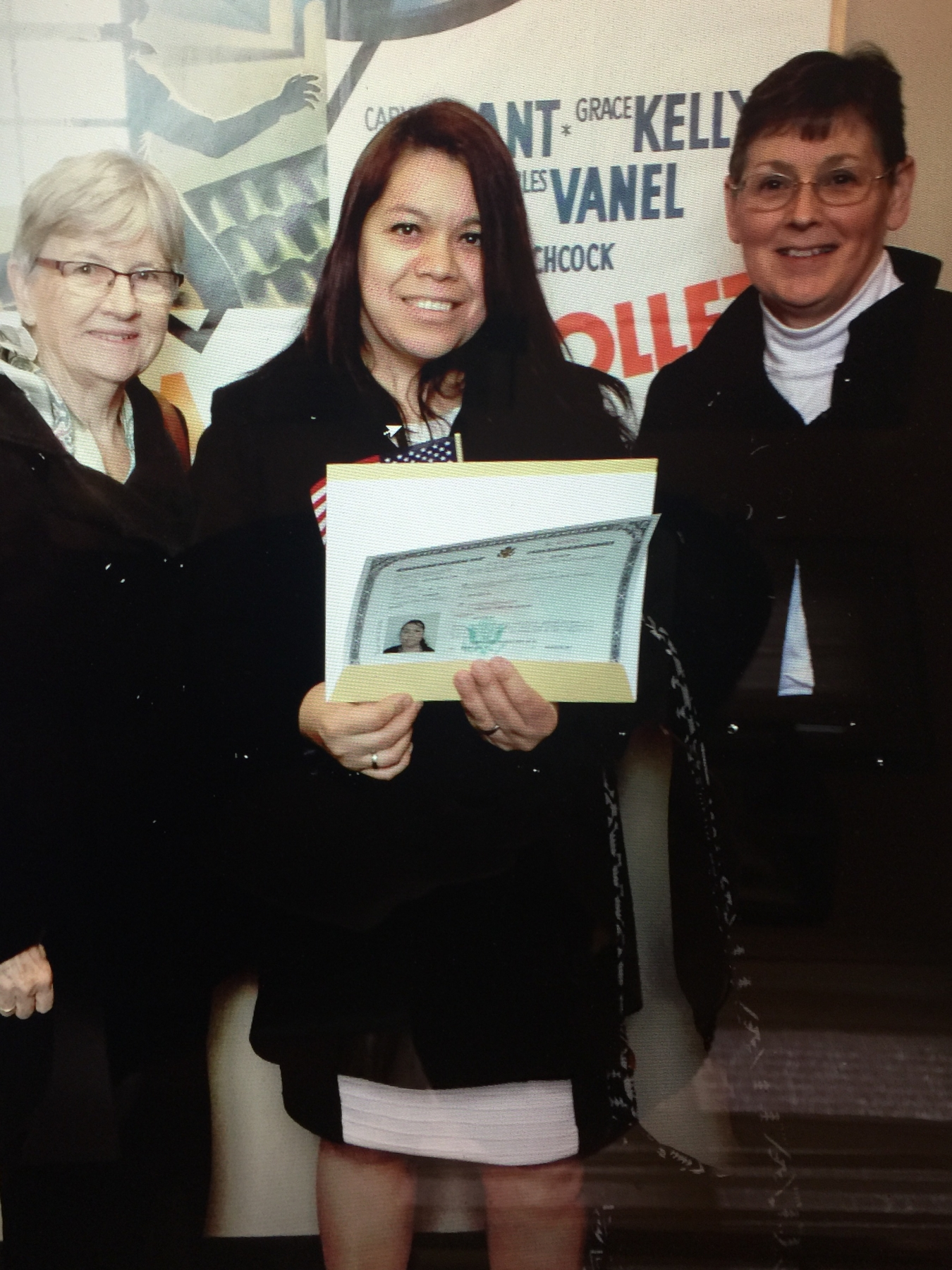 Yolanda Cortes de Aguilera, with tutors Nancy Richardson and Alaine Espenscheid